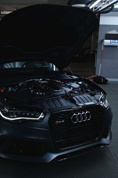 Audi RS6. Is this a black out? It looks like one. :)