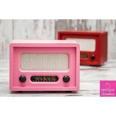 Usb uzaktan kumandalı nostaljik radyo farklı renk seçenekleriyle sizi bekliyor. | 60 tl #pembe #nostaljik #radyo #megahomedekor #eskişehir #mutfak #dekor #dekorasyon #evdekorasyonu #dekorasyonfikirleri #evim #sunum #sunumönemlidir #hediyelik #antika #ofisdekorasyonu #guzelevim #instamutfak #esse #bernardo #cicibici #pinkmore #madamecoco #englishhome #perabulvari #mudo #çeyiz #çeyizhazırlığı #cicibici | http://ift.tt/29L35iN