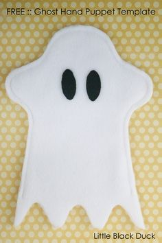 Such a basic concept and one that will occupy your kids for hours. Make this 5 Minute Finger Puppet Craft with minimal sewing for a happy Halloween!