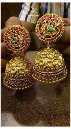 Gold Earrings For Women, Gold Earrings Designs, Gold Jewellery Design, Gold Jewelry, India Jewelry, Antique Jewellery, Fashion Jewellery, Necklace Designs, Pearl Jewelry