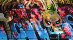 Kunst am Kanal. Unzählige Graffitikünstler haben sich entlang des Donaukanals in Wien verewigt. Urban Art, Vienna, Bunt, Street Art, Painting, Canvas, City Art, Painting Art, Paintings
