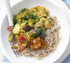 Summer Vegetable Curry ~ 45 mins ~ Per serving:  207 calories, protein 10g, carbohydrate 28g, fat 7 g, saturated fat 4g, fibre 7g, sugar 12g, salt 0.49 g ~ Serve on chopped spinach