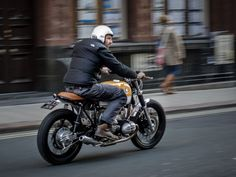 collectori:    DOWN & OUT CR     Down & Out's R80 Scrambler