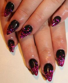 I dn't rly like the pointy nail look but this is cute!