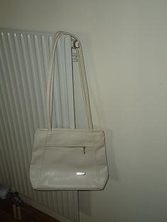 hell beige Handtasche    mehr infos auf willhaben.at