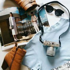 #Weekend warrior with @stephaniecyap #explore #travel #lifestyle #photography #flatlay #flatlays #flatlayapp #boots #Sunny #shades #Summer #vibes #blogger #photooftheday #flatlay #flatlayapp