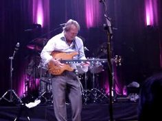 Mark King(Level 42)Just one of my fave slap bassists