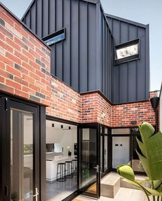 MIXED MATERIALS //⠀ ⠀ We're loving the colour palette on this build in We… – Keep up with the times. Brick Cladding, House Cladding, Facade House, Exterior Cladding, Brickwork, Steel Cladding, Red Brick Exteriors, Recycled Brick, Modern House Design