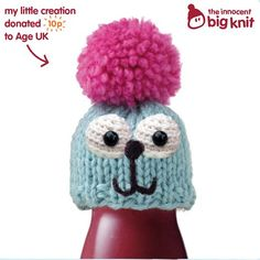 This was the second little hat I knitted on the Innocent Big Knit website. It's a fantastic way to donate money to Age UK so they can protect the elderly during the cold winter months.  Each hat means a 25p (0,29€) donation to Age UK and for each time you share your creations on Twitter and Facebook, 10p (0,11€) more will be donated.  See how here: http://brokegirlsmagazine.blogspot.pt/2013/09/the-innocent-big-knit-ajudar-quem-mais.html