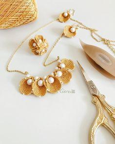Tatting Jewelry, Lace Jewelry, Tatting Lace, Textile Jewelry, Fabric Jewelry, Jewelry Crafts, Handmade Jewelry, Jewellery, Crochet Earrings Pattern