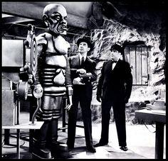 Bela Lugosi in The Phantom Creeps