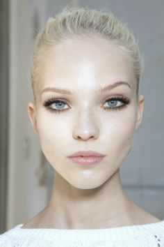 Frost white #spring #makeupmagic