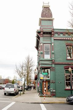 Spend 72 hours in Grants Pass, learn the history of the early Oregon pioneers that settled here and what keeps this community going. It's the climate!