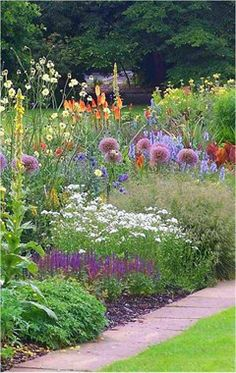 Introduction to Garden Design - example of a course calendar and contents Cottage Gardens ;[];