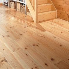 Planchers de pin sur pinterest tages espaces et house for Plancher pin blanc