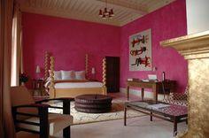 Pink bedroom at Riad El Fenn