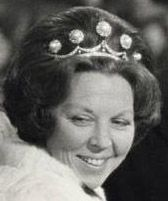Tiara Mania: Pearl Button Tiara worn by Queen Beatrix of the Netherlands