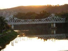 Ponte Metálica em Cataguases projetada em 1914 por Oscar Niemeyer.
