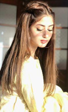 Cute Girl Face, Cute Girl Photo, Girl Photo Poses, Girl Photography Poses, Pakistani Models, Pakistani Actress, Stylish Girls Photos, Stylish Girl Pic, Sajjal Ali