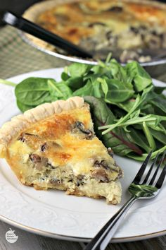 Mushroom Swiss Quiche   by Renee's Kitchen Adventures - easy recipe for quiche full of mushrooms, thyme, eggs and Swiss cheese. Great #vegetarian option for breakfast, brunch, lunch or dinner. #SundaySupper #RKArecipes