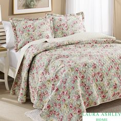 This Laura Ashley Bloomsbury Reversible Cotton Quilt Set includes at least one matching sham and is great to layer into bedding or use alone in warmer weather. The set is machine washable and coordinates well with Laura Ashley sheet sets.