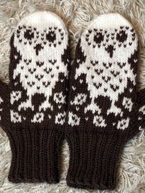 KARDEMUMMAN TALO: Jouluksi Mittens Pattern, Knit Mittens, Knitted Gloves, Knitting Socks, Crochet Owls, Diy Crochet, Crochet Crafts, Knitting Patterns Free, Free Knitting