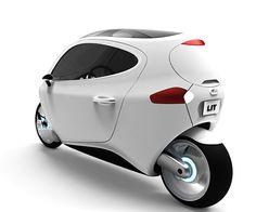 Una combinacion extraña: El tamaño de una moto y la cabina de un carro. Un vehículo netamente individual... :)