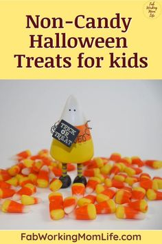 Halloween candy is everywhere but you may be looking for food allergy Halloween treats! Here are some great candy alternatives for Halloween trick-or-treating! Enjoy these ideas for non-candy Halloween treats for toddlers and for school! Halloween Treats For Kids, Halloween Stickers, Halloween Trick Or Treat, Halloween Themes, Halloween Crafts, Halloween Candy, Halloween Books, Teal Pumpkin Project, Halloween Coloring