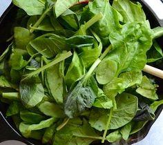 Reteta: Reteta zilei: Frittata cu ardei copt si spanac | Restaurante de Lux Spinach, Vegetables, Restaurant, Vegetable Recipes, Veggies