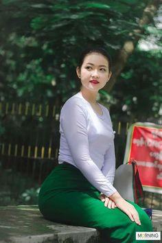 Beautiful Model Girl, Beautiful Asian Women, Myanmar Traditional Dress, Traditional Dresses, Sitting Girl, Burmese Girls, Myanmar Women, Attractive Girls, Cute Girl Photo