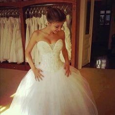 This dress>>>>
