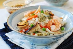 I almost always have some seafood in my freezer – shrimp, squid, clams, etc. I hope you do too. They thaw quickly, so they come in handy when you have to put something good on the table in a hurry. Here's an easy one-pot seafood dish I made several times over the busy holiday season. Haemul …