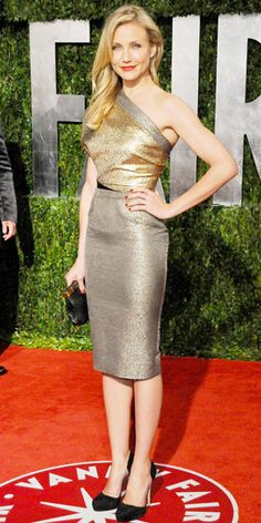 Cameron Diaz in Victoria Beckham Cameron Diaz Body, Cameron Diaz Style, Leslie Mann, Victoria Beckham, Divas, Gamine Style, Celebrity Outfits, Sexy Outfits, Red Carpet Looks