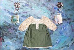 blusa verde y flores tanuki y aros cubitos tanuki