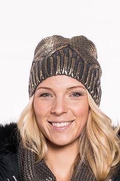 Mütze von GAUDI   kuschlig warmeMütze in Gold-Optik   mit Gaudi Logo versehen   Bund innen weich und flauschig   angenehmer Tragekomfort  Material: 100% Polyacryl