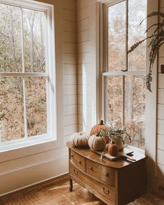 Autumn Interior, Home Interior, Interior Design, Up House, Cozy House, Farmhouse Style, Farmhouse Decor, Home Decoracion, Autumn Cozy