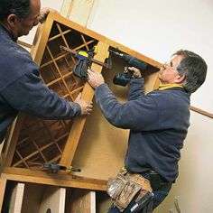 TOH assembles even more pro wisdom from master carpenter Norm Abram's archive Woodworking Guide, Custom Woodworking, Woodworking Projects Plans, Hanging Kitchen Cabinets, Hanging Cabinet, Stock Cabinets, Upper Cabinets, Carpentry Tools, Kitchen Magic