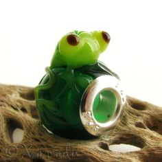 Green Sitting Frog Lampwork Glass Bead with by xanaducharms
