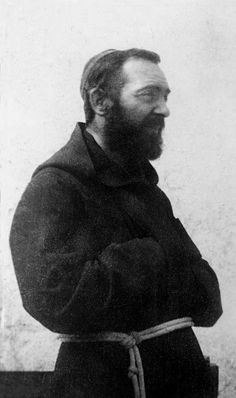 Padre Pio a San Giovanni Rotondo (1925 ca)