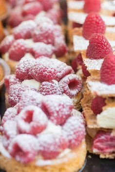 These freshly baked sugar dusted French pastries look so yummy!