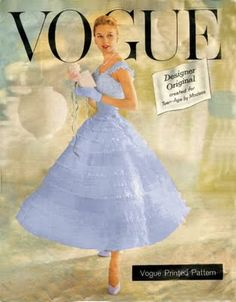 Periwinkle blue on the cover of Vogue. Vogue Magazine Covers, Fashion Magazine Cover, Fashion Cover, Fashion Photo, Elle Magazine, 1950s Fashion, Vintage Fashion, Blue Fashion, Diy Fashion