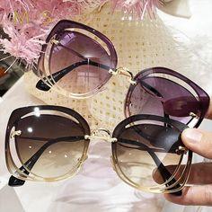 Mia Luxury Classic Sunglasses - Women's fashion and Women's Bag trends Types Of Sunglasses, Round Lens Sunglasses, Flat Top Sunglasses, Cute Sunglasses, Sunnies, Sunglasses Price, Trending Sunglasses, Chanel Sunglasses, Vintage Sunglasses