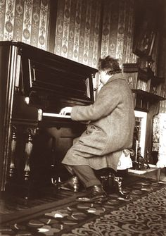 Einstein at the piano in Hotel Nara in Japan, 1922