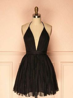 long prom dresses - Alluring Tulle Halter Neckline Aline Homecoming Dresses With Pleats 2 Piece Homecoming Dresses, Hoco Dresses, Pretty Dresses, Awesome Dresses, Casual Dresses, Short Beach Dresses, Creation Couture, Maxi Dress With Sleeves, Looks Cool