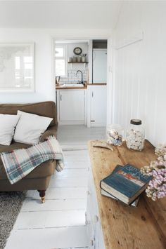 Waters Edge Luxury Cottage Mousehole, The Herringbone Loft Cottage