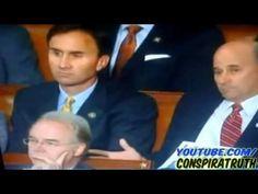 Reptilian shape shifting while obama talks - Caught on Tape - TV Cam - YouTube