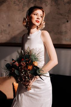 This bride totally rocked a Grace Kelly-inspired bridal look| Swak Photography