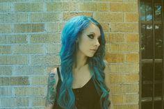 electric blue hair Electric Blue Hair, Blue Green Hair, Pastel Hair, Wigs, Hair Color, Long Hair Styles, Lady, Beauty, Colours