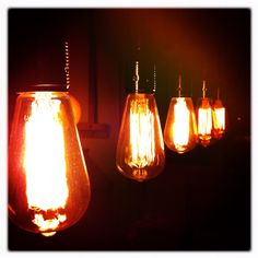 Ah, Edison bulbs have such a great  glow.#Repin By:Pinterest++ for iPad#