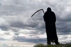 The Grim Reaper is the black-cloaked, scythe-wielding personification of death. Learn why the Grim Reaper is so grim and why he's a guy. Death Reaper, Grim Reaper, Creepy, Scary, Mysterious Universe, Film Inspiration, Weird Creatures, The Grim, Film Stills